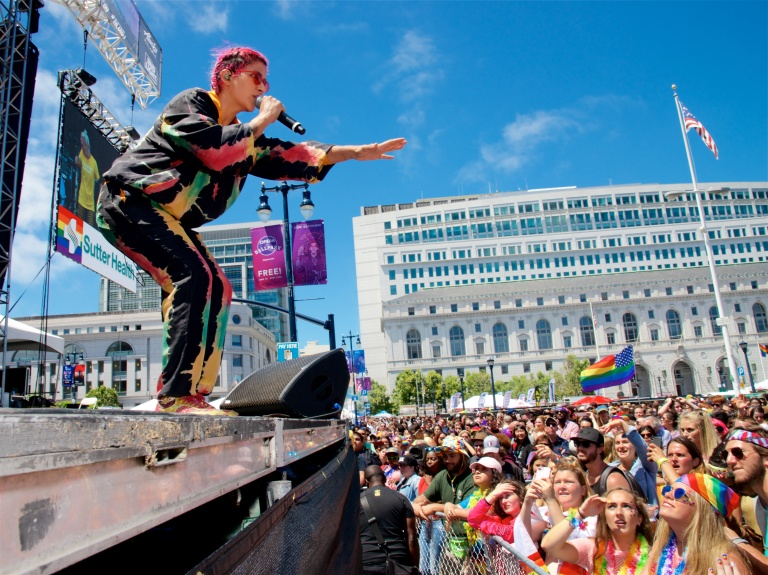 sf pride stage 2017 A70 (1)