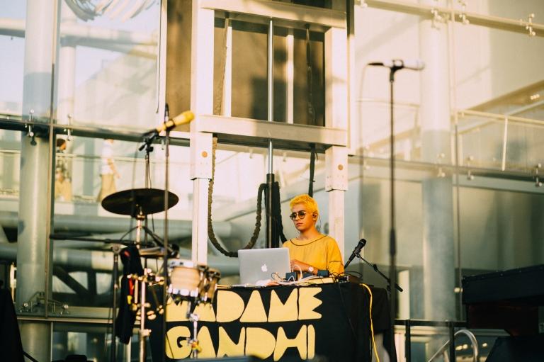 MADAME GANDHI NHM 6.1.18-4